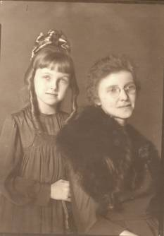 Berniece with her mother Ruby Walker Lawler about 1919